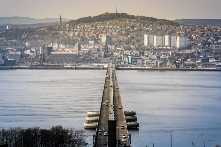 Hundreds back petition calling for action to make Tay Road Bridge safer